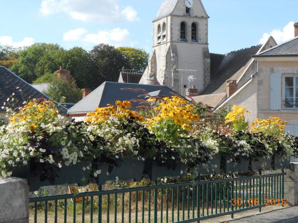 fleurissement-pont-canal-avec-vue-eglise